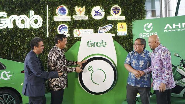 Grab bekerja sama dengan Sri Sultan Hamengkubuwono X mengembangkan Yogyakarta sebagai provinsi cerdas yang berbasis teknologi informasi dan komunikasi.