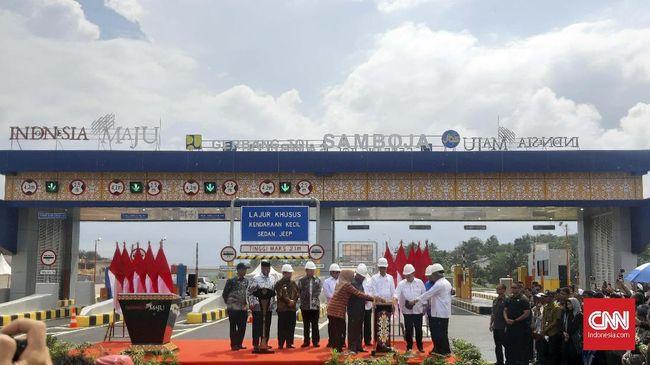 Presiden Joko Widodo (Jokowi) meresmikan Tol Balikpapan-Samarinda (Balsam) Seksi II, III, dan IV dari Samboja sampai Samarinda pada Selasa (17/12).