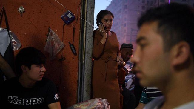 Wakil Presiden Ma'ruf Amin meminta pemerintah China bersikap terbuka perihal dugaan perlakuan buruk terhadap muslim Uighur di Xinjiang.