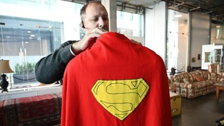 Jubah Superman Christopher Reeve Laku Terjual Rp1,63 M