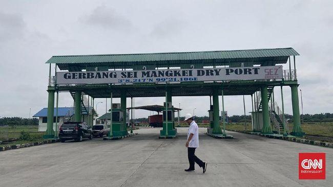 Investor masih enggan datang ke KEK Sei Mangkei yang mengklaim area ramah lingkungan. Hanya dua perusahaan yang mengisi lahan ribuan hektare.