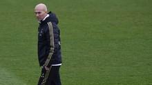 Madrid Terpuruk, Mayoritas Fan Masih Percaya Zidane