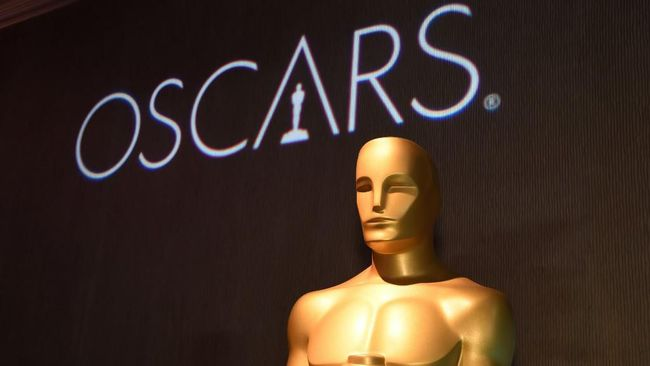 Oscar statue watches over the 91st Oscars Nominees Luncheon at the Beverly Hilton hotel on February 4, 2019 in Beverly Hills. (Photo by Robyn Beck / AFP)