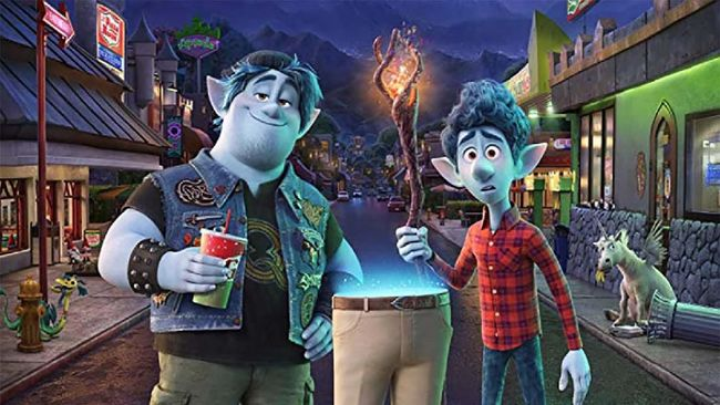 Walt Disney dan Pixar melepas trailer terbaru Onward, film fantasi yang menawarkan petualangan menyentuh hati. Onward bakal rilis pada awal Maret 2020.