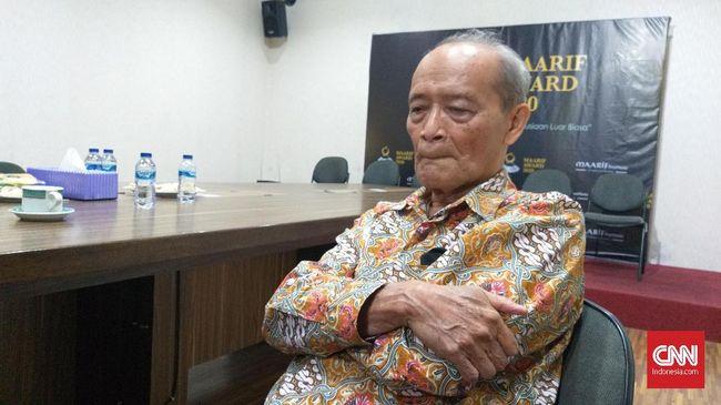 Buya Syafii Maarif meminta Jokowi memerintahkan Menteri Kesehatan berupaya maksimal nyawa pada tenaga kesehatan covid-19.