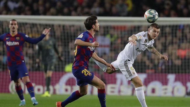 Sejumlah rekor tercipta dalam pertandingan El Clasico antara Barcelona vs Real Madrid yang berakhir imbang 0-0 di Stadion Camp Nou, Kamis (19/12) dini hari WIB.