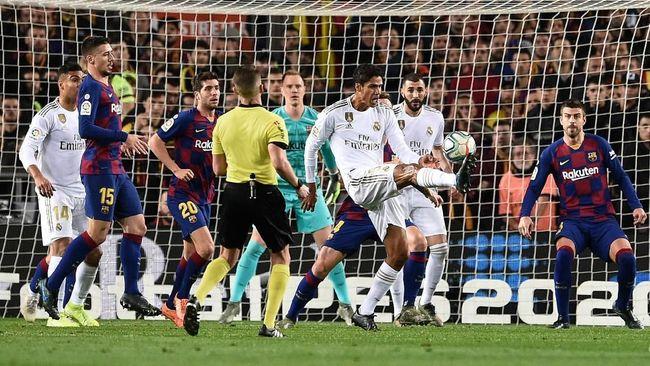 Real Madrid dan Barcelona memasuki El Clasico di Stadion Santiago Bernabeu dengan sama-sama memiliki masalah.