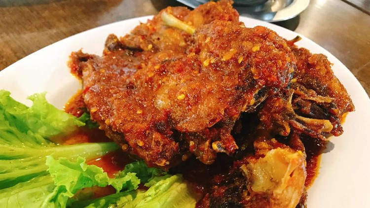 Makan-makan di akhir pekan bareng keluarga? Kenapa enggak. Berikut 5 rekomendasi tempat kuliner di Jakarta Utara untuk isi libur akhir pekan Bunda dan keluarga.