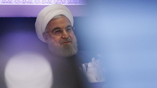 Iranian President Hassan Rouhani speaks during a press conference in New York on September 26, 2019. - Rouhani challenged countries who accused Iran of carrying out this month's attack on a Saudia Arabian oil facility to provide evidence.