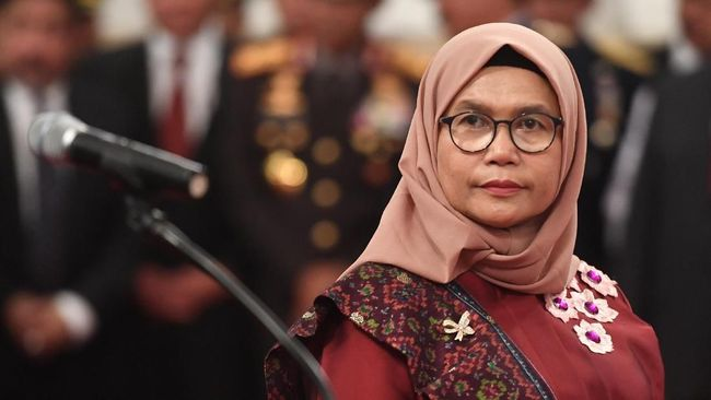 Komisioner KPK Lili Pintauli Siregar kembali dilaporkan ke Dewas KPK atas dugaan pembohongan publik. Pegawai malu terhadap perilaku Lili.