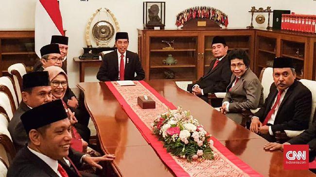 Pakar menyebut berdasarkan UU Ombudsman, Jokowi memiliki waktu 60 hari untuk menyikapi rekomendasi soal TWK KPK, atau melanggar ketentuan undang-undang.