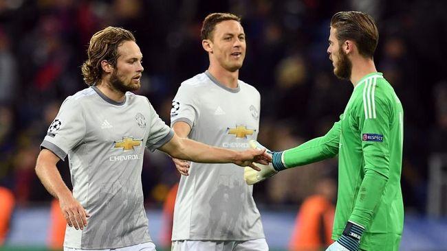 Mantan pemain Manchester United asal Belanda Daley Blind didiagnosis mengalami masalah jantung.