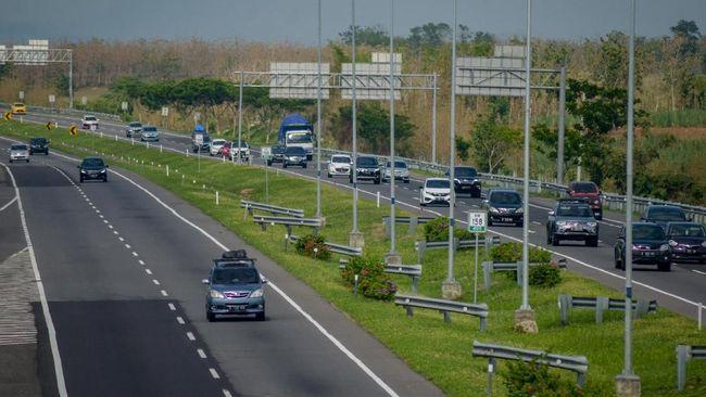 Kementerian PUPR menyatakan lebih dari 14 ribu km jalan di Jawa, Sumatra, Kalimantan, Sulawesi siap layani libur Natal dan tahun baru.