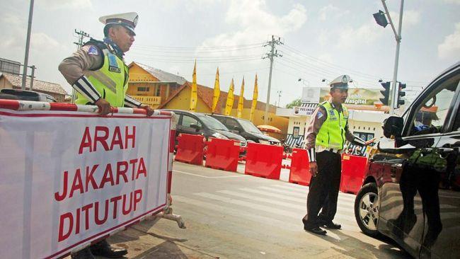 Polda Metro Jaya bakal menyekat akses masuk DKI Jakarta guna menghindari terjadinya kerumunan di tengah pandemi virus corona.