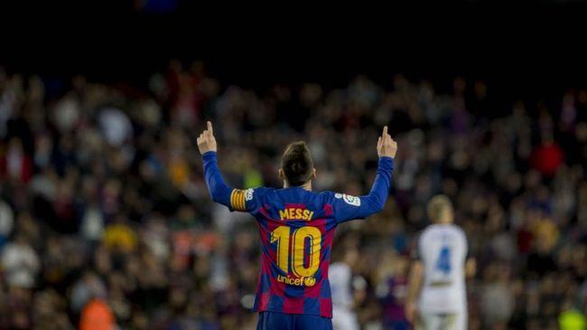 Berita olahraga menarik mulai dari Shin Tae Yong yakin fisik Timnas Indonesia membaik hingga Messi bertahan di Barcelona.