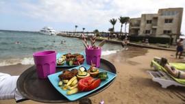 FOTO : Resor Mewah di Mesir Perangi Sampah Plastik
