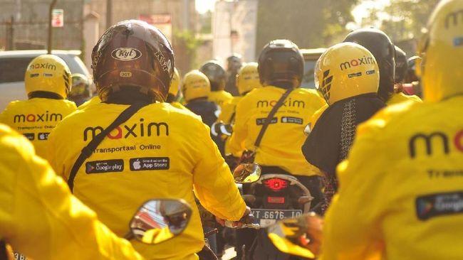 Taksi dan ojek online Maxim kembali beroperasi setelah sempat menuai kontroversi terkait tarifnya yang tidak sesuai ketentuan pemerintah.