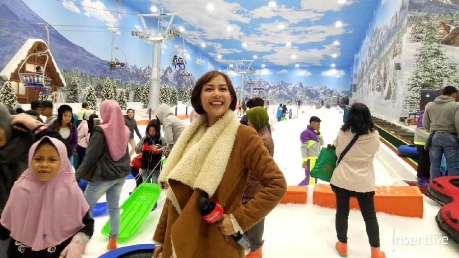 Libur Telah Tiba, Ribuan Pengunjung Padati Trans Snow World Bintaro
