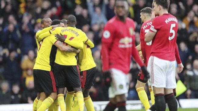 Tiga laga akan mewarnai jadwal Liga Inggris hari ini, Minggu (23/2), dengan Manchester United dan Arsenal menjalani pertandingan.