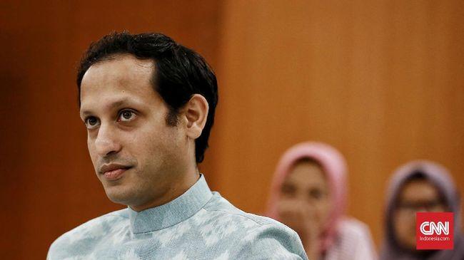 Juru bicara Fadjroel Rachman angkat suara ihwal isu Mendikbud bakal diganti dalam kocok ulang kabinet berikutnya.