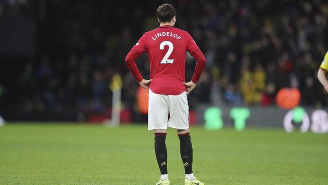 Bek Manchester United Victor Lindelof melakukan satu pelanggaran horor kepada pemain Real Sociedad di leg kedua babak 32 besar Liga Europa.
