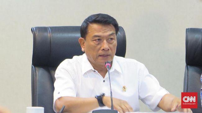 Moeldoko menyebut petani yang menolak pembangunan kilang perlu diberi pemahaman tentang tujuan pembangunan kilang minyak sehingga tak menolak pembangunan.