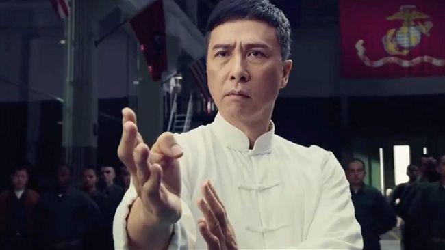 Ada film Indonesia pertama yang tayang di awal tahun, Nanti Kita Cerita Tentang Hari Ini (NKCTHI) garapan sutradara Angga Dwimas Sasongko.