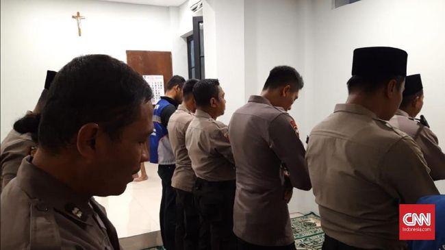 Gereja di Surabaya Sediakan Tempat Salat untuk Muslim