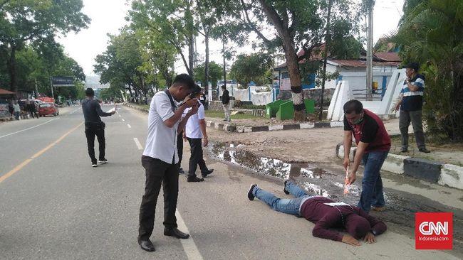 Polda Sulawesi Tenggara bersama Kejaksaan Tinggi Sultra menggelar rekonstruksi peristiwa penembakan mahasiswa UHO saat demonstrasi di Kendari, September lalu.
