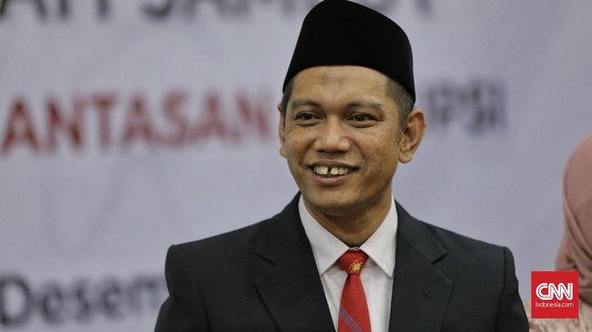 Wakil Ketua KPK Nurul Ghufron sebelumnya merespons positif ide Kemenkumham membebaskan napi korupsi untuk mencegah virus corona.