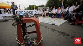 FOTO: Natal ke-8 di Luar Istana, Protes Jemaat pada Negara