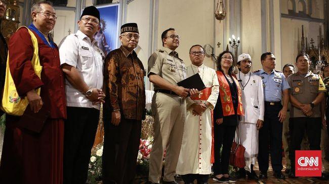 Pernyataan dan kunjungan pejabat ke rumah ibadah diharapkan tak hanya menjadi seremoni toleransi semata, justru harus diwujudkan dalam kebijakan.