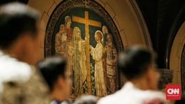 Cegah Corona, Gereja Katedral Jakarta Disemprot Disinfektan