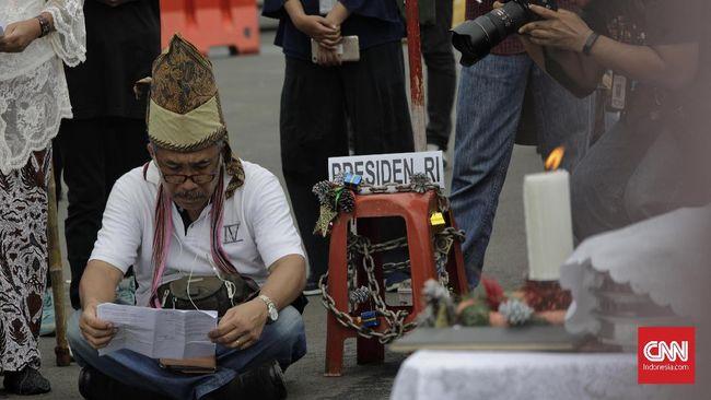 Wapres Ma'ruf Amin dinilai berlebihan memberikan saran mengenai konflik di India dengan mencontohkan toleransi beragama di Indonesia.