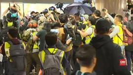 VIDEO: Pedemo-Polisi Hong Kong Bentrok Saat Malam Natal