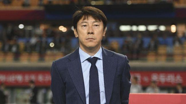 Pengamat sepak bola, Mohamad Kusnaeni menilai Shin Tae Yong bakal menerapkan program latihan yang lebih keras dibandingkan Luis Milla di Timnas Indonesia.