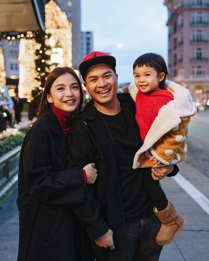 <p>Chelsea Olivia bersama suami, Glenn Alinskie dan putri pertema mereka, Nastusha, menghabiskan liburan Natal 2019 di Amerika. Chelsea pun mengucapkan,