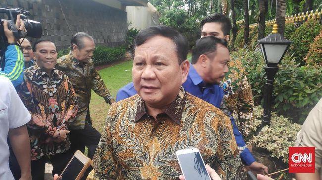 Menteri Pertahanan Prabowo Subianto mengucapkan selamat Natal kepada seluruh masyarakat yang merayakan. Ucapan tersebut ia katakan saat menyambangi acara open house Menteri Koordinator Bidang Kemaritiman dan Investasi Luhut Binsar Pandjaitan di Kebayoran, Jakarta.