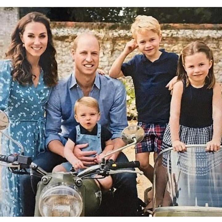 <p>Ada banyak momen spesial pada Hari Raya Natal di keluarga Kate Middleton dan Pangeran William. (Foto: Instagram)</p>