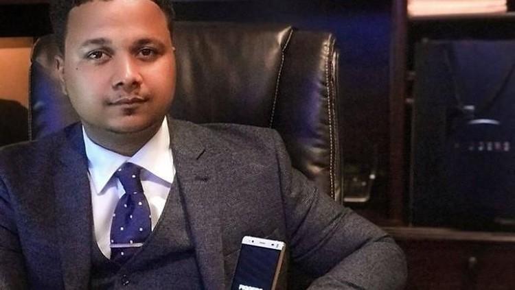 Saat bayi, pria ini dibuang di tong sampah, saat dewasa ia kini jadi miliarder. Ia bahkan menjadi CEO perusahaannya sendiri yang bernilai Rp862 miliar. Hebat!