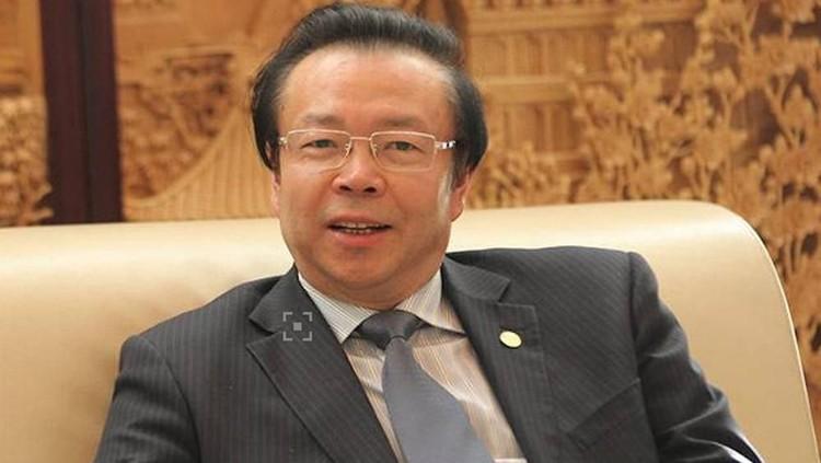 Lai Xiaomin ditahan karena kasus korupsi dan terungkap memiliki 100 wanita simpanan. Mereka dibelikan rumah, bahkan dikumpulkan dalam satu wilayah.