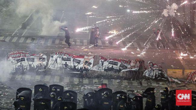 Komnas HAM dalam laporan tahunannya menyebut 20 tahun setelah reformasi, Indonesia kini dihadapkan pada suatu ancaman nyata praktik politik kekerasan.