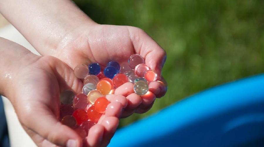 Duh! Bayi 9 Bulan Harus Operasi Setelah Menelan Mainan Water Beads