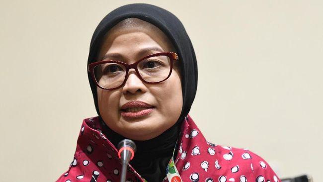 Pelaksana Harian (Plh) Juru Bicara KPK yang baru Ipi Maryati menyampaikan konferensi pers di gedung KPK, Jakarta, Jumat (27/12/2019). Dalam kesempatan tersebut, Firli Bahuri mengenalkan dua Pelaksana harian (Plh) juru bicara KPK antara lain Ipi Maryati dalam bidang pencegahan dan Ali Fikri dalam bidang penindakan. ANTARA FOTO/M Risyal Hidayat/wsj.