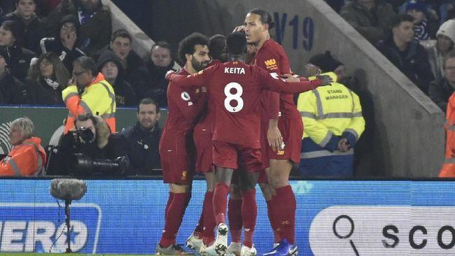 Liverpool kini memetik keuntungan dengan keberadaan Video Assistant Referee (VAR) di Liga Inggris setelah pernah dirugikan.
