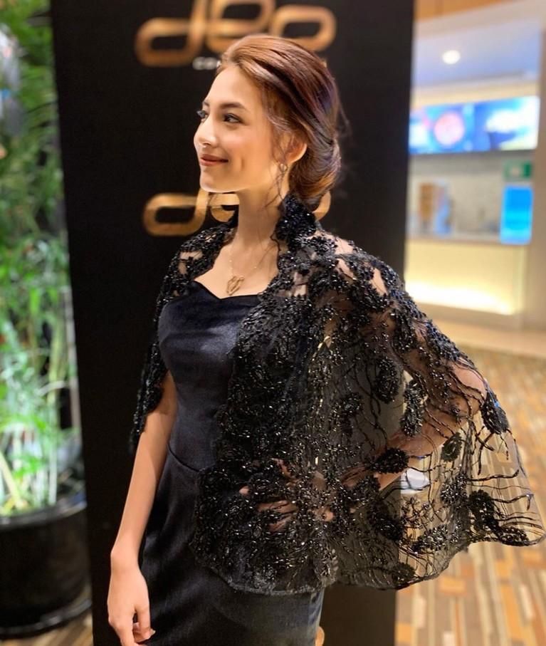 Lania Fira menjadi sorotan saat menjadi bintang dalam video klip NOAH terbaru berjudul Kupeluk Hatimu.