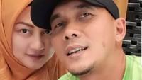 <p>Setelah berpisah dari pesinetron Kiki Amalia, Markus menikah dengan Bylqis Juwita Ningsih pada 2011. Kini, keluarga pemilik nama lengkap Markus Haris Maulana ini menetap di Bandung.</p>