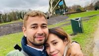<p>Setelah dari Korea Selatan dan Jepang, Raffi Ahmad dan Nagita Slavina beserta keluarga bertandang ke Eropa Barat. (Foto: Instagram @raffinagita1717)</p>