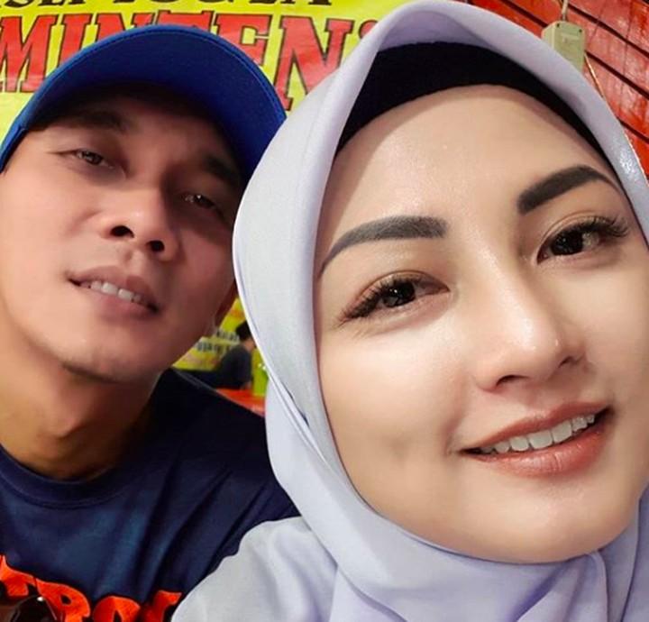 Lihat potret istri mantan kiper Timnas Indonesia, Markus Horison, Bylqis Juwita Ningsing. Ayu dan anggun.