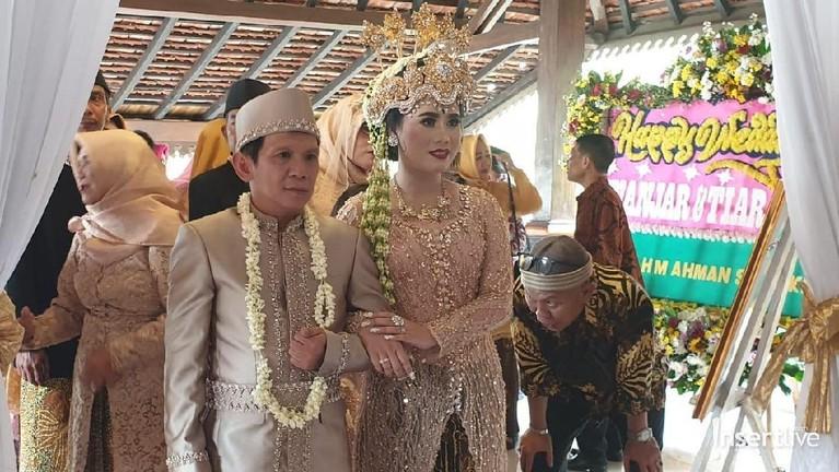 Pernikahan ini merupakan yang kedua untuk Ginanjar.